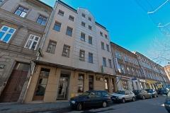 Hotel ALEF to świetna lokalizacja - jesteśmy zlokalizowani w połowie drogi po między dawną Żydowską dzielnicą Kazimierz, a oddalonym o 5 minut spaceru Zamkiem Wawelskim oraz Rynkiem Głównym Starego Miasta.